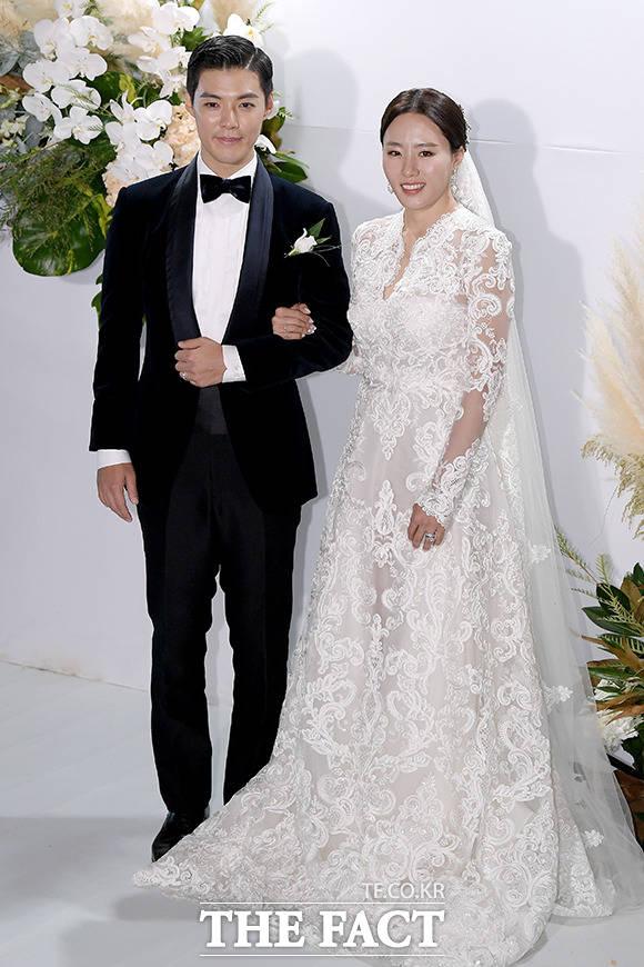 가수 강남과 전 스피드스케이팅 선수 이상화가 12일 결혼했다. /이선화 기자