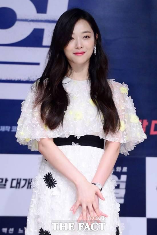 가수 겸 배우 설리가 지난 14일 숨진 채 발견됐다. 발인은 16일에 진행됐다. /더팩트DB