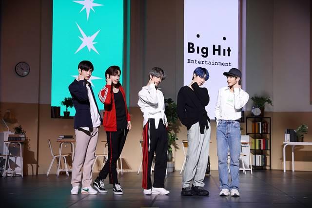 그룹 투모로우바이투게더의 새 앨범은 21일 오후 6시에 공개된다. /빅히트엔터테인먼트 제공