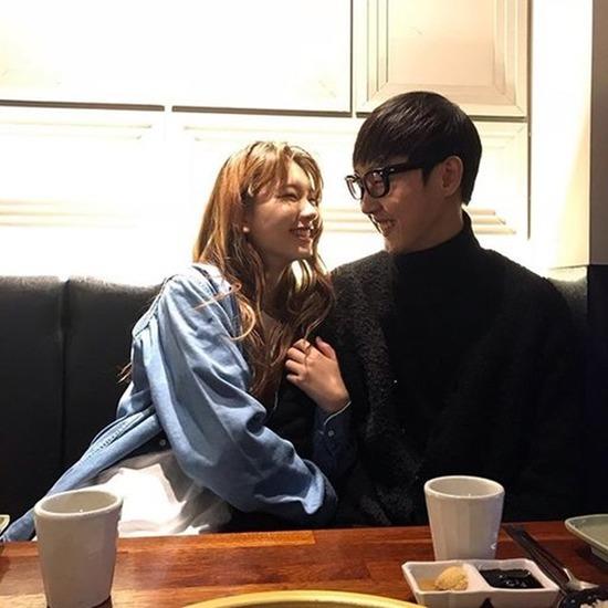 모델 겸 배우 김진경과 래퍼 크루셜스타가 2년 교제 끝에 결별한 사실이 알려졌다. /김진경 SNS 캡처