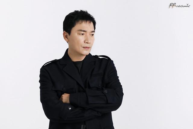 배우 조재윤은 JTBC '모범형사'에서 사형수 이대철 역을 맡아 연기 변신에 도전한다. /비비엔터테인먼트 제공