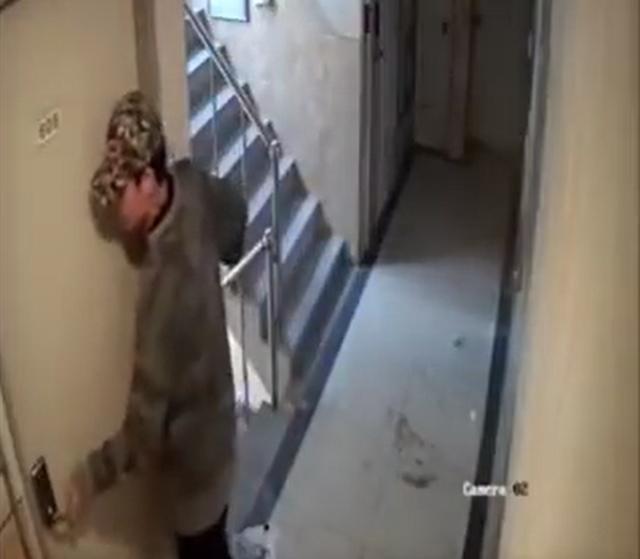 27일 검찰이 서울 신림동에서 귀가하는 여성을 뒤쫓아 여성의 집에 침입하려 한 혐의를 받는 30대 남성에 대해 항소심에서도 징역5년을 선고해 달라고 재판부에 요청했다. /유튜브 캡처