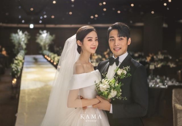 우혜림과 신민철은 7년 열애 끝에 지난 7월 5일 결혼식을 올리며 인생 2막을 시작했다. /르엔터테인먼트 제공
