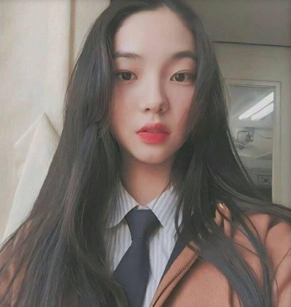 SM엔터테인먼트가 새 걸그룹 에스파의 데뷔 소식을 전하자 누리꾼들은 에스파에 멤버로 유지민이 합류하는 것이 아니냐는 추측 글을 올리며 관심을 모으고 있다. /유지민 SNS