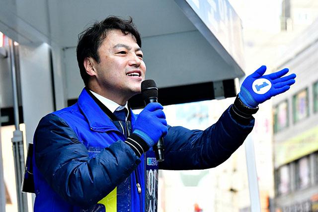 서울남부지법 형사합의13부(신혁재 부장판사)는 30일 정치자금법 위반과 배임수재 혐의를 받는 이상호 전 더불어민주당 부산 사하을 지역위원장의 공판을 진행했다. /이상호 전 위원장 페이스북 갈무리
