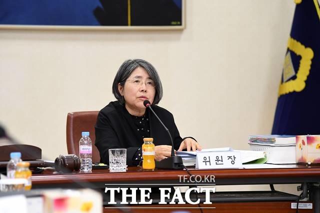 김영란 대법원 양형위원회 위원장(아주대 석좌교수)이 연임 위촉됐다./더팩트 DB