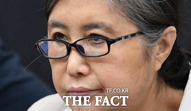 박근혜 정부 시절 국정농단 사태를 주도한 혐의로 복역 중인 최서원(개명 전 최순실) 씨가 강제추행을 당했다며 청주여자교도소 관계자들을 고소했다. /더팩트 DB