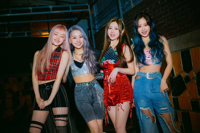 걸그룹 루나솔라가 2번째 싱글 앨범으로 해외에서 좋은 반응을 얻고 있다. /제이플래닛엔터 제공