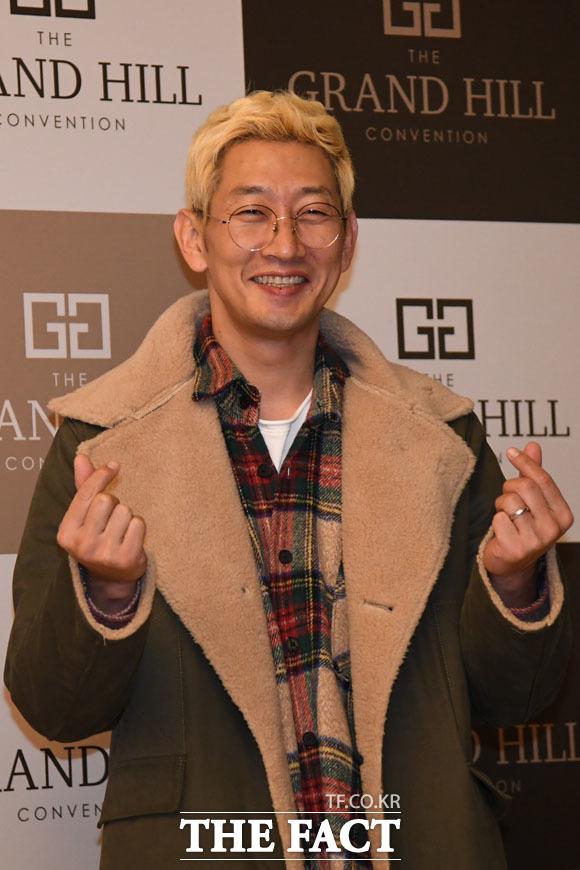 래퍼 이현배가 사망한 후 그의 형인 DJ DOC 이하늘이 '김창열 때문'이라고 주장한 가운데 김창열이 \