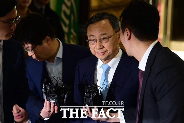 검찰이 KT의 '쪼개기 후원' 의혹 수사를 재개했다. /임세준 기자