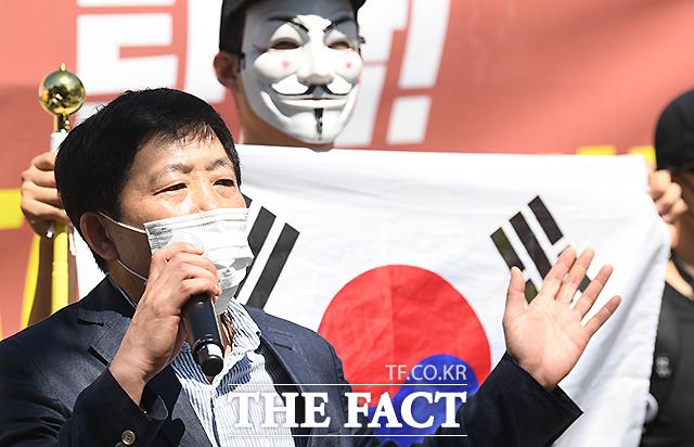 경찰이 지난달 비무장지대(DMZ) 인근에서 대북전단을 살포했다고 주장한 박상학 자유북한운동연합 대표의 사무실 등에 대한 압수수색에 나섰다. /이새롬 기자