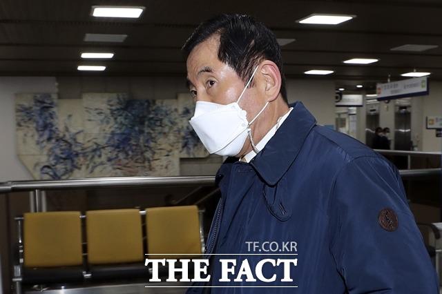 건설업자에게 뇌물 수천만원을 받은 혐의로 기소된 조현오 전 경찰청장에게 실형이 확정됐다. /뉴시스