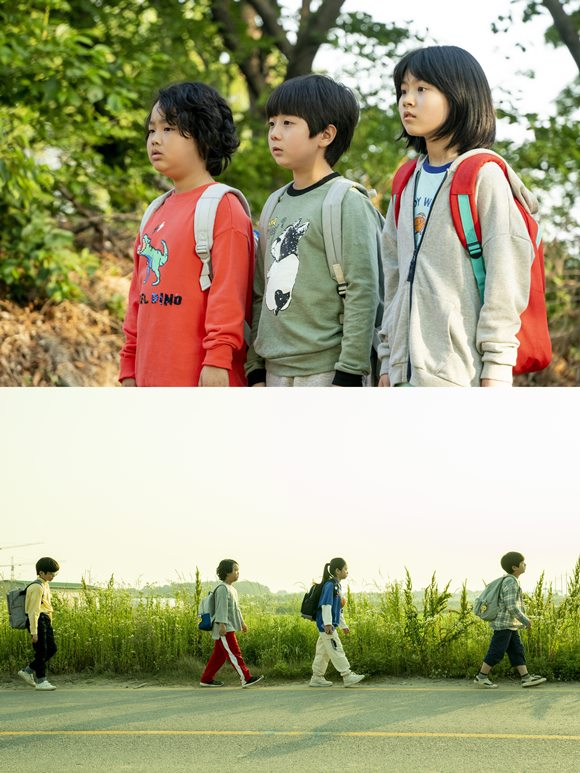 싱어송라이터 이진아는 영화 '아이들은 즐겁다'로 영화 음악감독 데뷔를 알렸고, 영화 속 OST 전곡을 작사·작곡했다. /영화 스틸컷