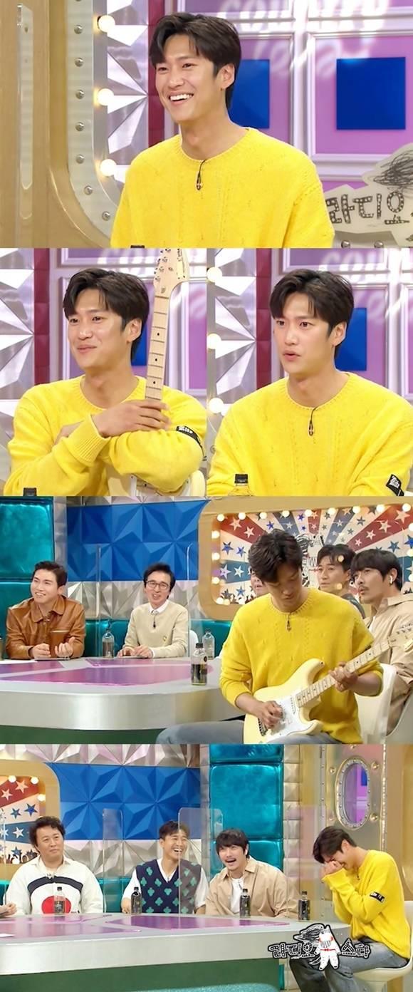 나인우가 데뷔 후 첫 토크쇼로 '라디오스타'에 출연한다. 그는 최근 종영한 '달이 뜨는 강'에 긴급 합류한 배경과 그 후 이야기를 공개할 예정이다. /MBC '라디오스타' 제공