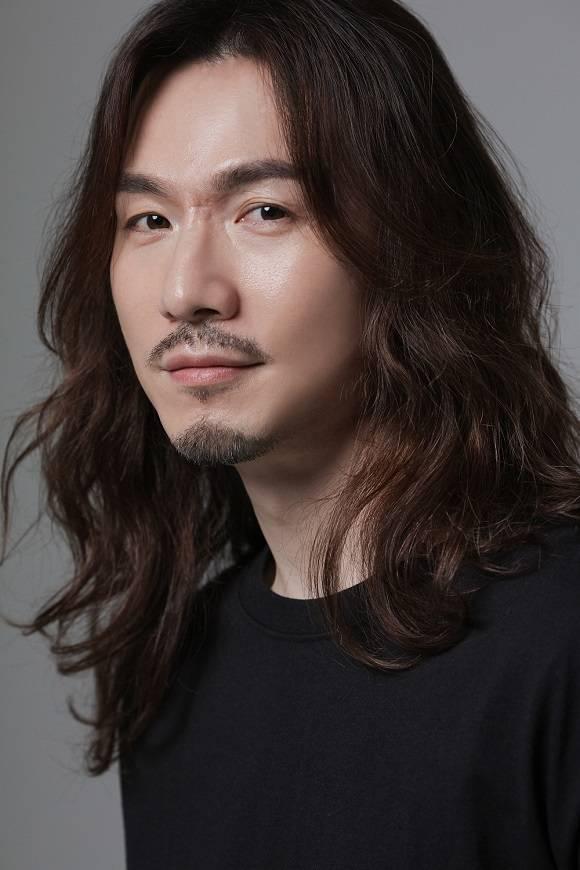 정홍일이 17일 부친상을 입었다. /쇼플레이엔터테인먼트 제공